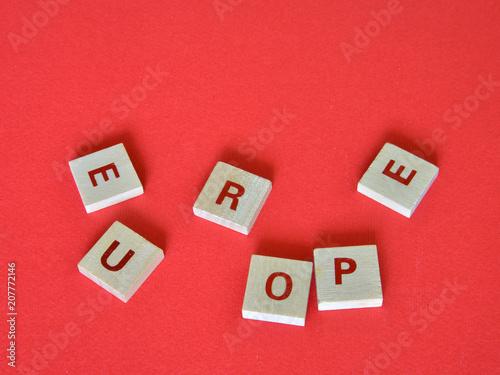 Fotografie, Obraz  la parola Europe composta da lettere scritte su piccoli tasselli di legno