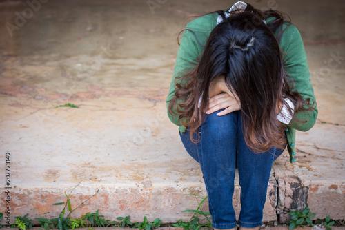 Valokuvatapetti Depressed women