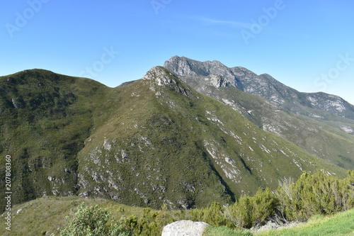 Foto op Aluminium Khaki Mountainous landscape on the way to Wilderness in South Africa