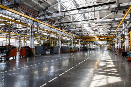 Fotografía  Factory workshop interior and machines