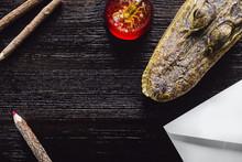 Alligator And Scorpion Paperwe...