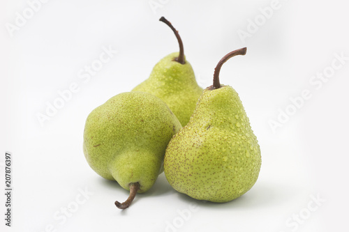 green pear isolated on white background Canvas Print