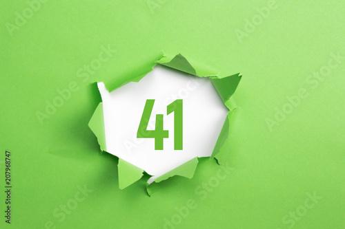 Poster  gruene Nummer 41 auf gruenem Papier
