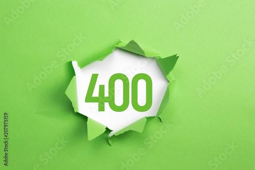 Tela  gruene Nummer 400 auf gruenem Papier