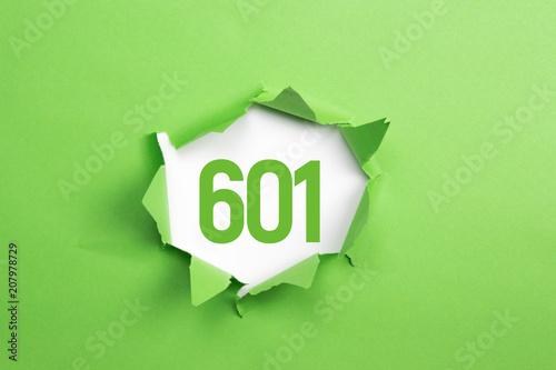 Fotografia  gruene Nummer 601 auf gruenem Papier