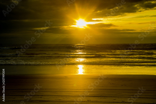 Fototapety, obrazy: Amazing sunset view in the beach of Ecuador