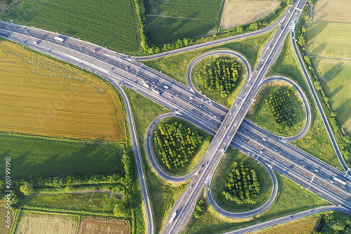 Fotografia Cloverleaf interchange seen from above