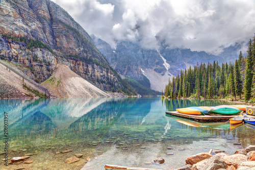Spoed Foto op Canvas Canada Moraine Lake at Lake Louise Near Banff in Canadian Rockies