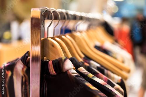 Kleider zum Verkauf Fototapet