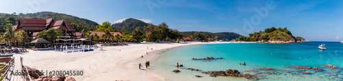 Fotografía Beautiful panoramic view of Long Beach (Pasir Panjang) on Redang Island in Terengganu, Malaysia