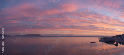 Foto op Plexiglas Crimson Beautiful panoramic view of a lagoon and beach at sunset in South Africa