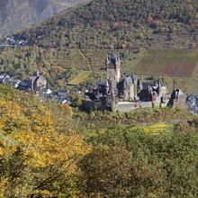 Reichsburg Castle, Cochem, Moselle Valley, Rhineland-Palatinate, Germany