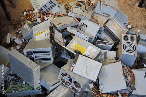 Obraz na plátně  recyclage vieux ordinateurs