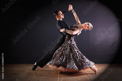 fototapeta na drzwi i meble dancers in ballroom isolated on black background