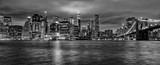 Fototapeta Nowy York - manhattan night view from brooklyn in b&w