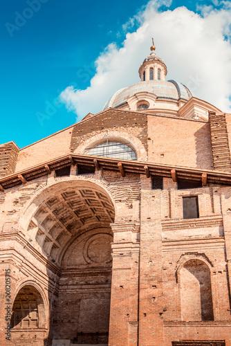 Keuken foto achterwand Historisch geb. Saint Andrea basilica - italian renaissance architecture - travel destinations - Mantua italy