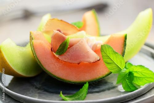 Recess Fitting Appetizer Melone mit Schinken