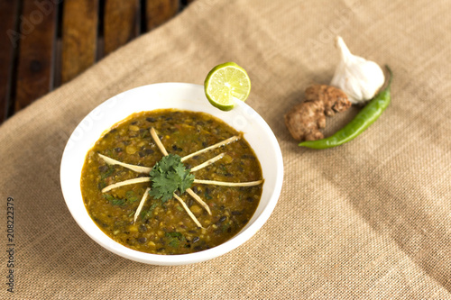 Valokuva  Langarwali dal is a popular and tasty punjabi dish which is made from combination of chana dal and split black urad dal