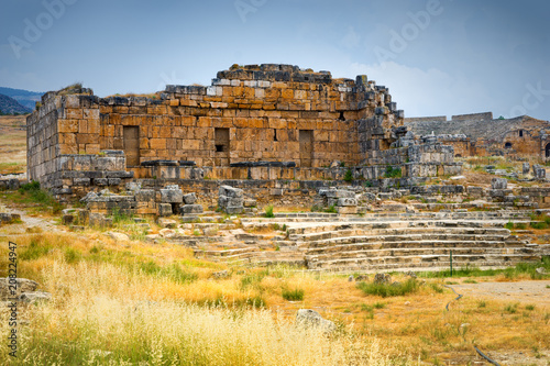 Fotobehang Rudnes The ancient Greek ruins at Hierapolis, Turkey