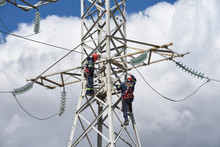 High Voltage Power Line Workers