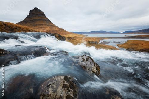 Foto op Plexiglas Europese Plekken Kirkjufell in Iceland during Autumn