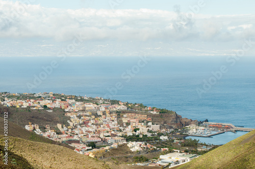 Spoed Foto op Canvas Canarische Eilanden Landscape view of San Sebastian city with Tenerife island