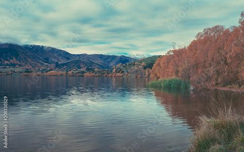 Papiers peints Cappuccino Autumn in Lake Hayes, Queenstown New Zealand landscape