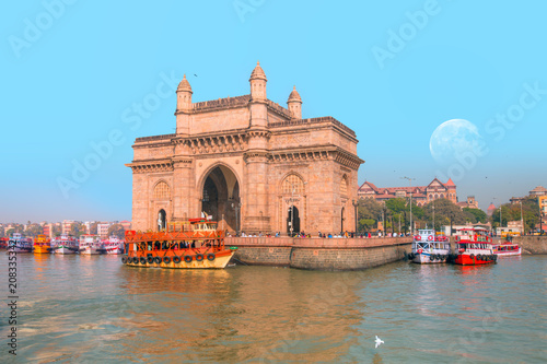 Printed kitchen splashbacks Historical buildings The Gateway of India and boats as seen from the Harbour