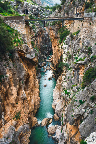 Photo  Caminito Del Rey - mountain path along steep cliffs in Andalusia, Spain