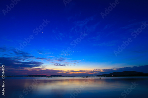 Obraz Beautiful sky at twilight time - fototapety do salonu