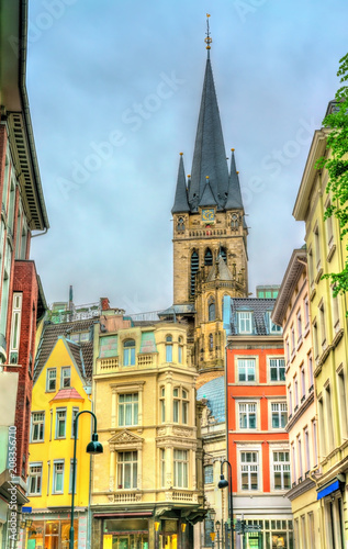 Foto op Plexiglas Europese Plekken Street in the old town of Aachen, view to the Cathedral. Germany