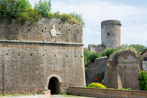 Foto op Plexiglas Europese Plekken Nepi in Lazio, Italy. Borgia Castle, a 15th-century reconstruction of a feudal manor. It has massive walls and four towers