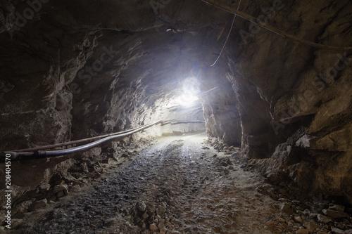 Keuken foto achterwand Industrial geb. Underground old ore gold mine tunnel shaft passage mining technology