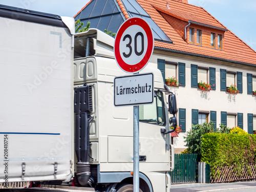 Photo Lärmschutz Verkehrsschild Verkehrslärm