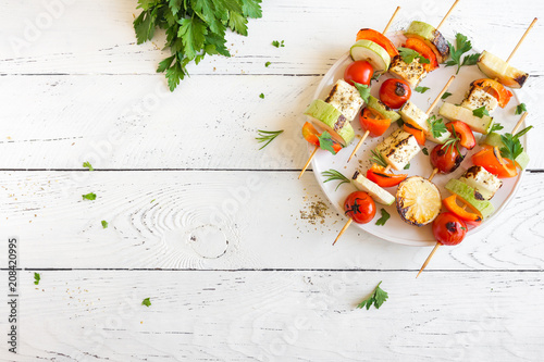 Tuinposter Grill / Barbecue Vegetarian skewers with halloumi cheese
