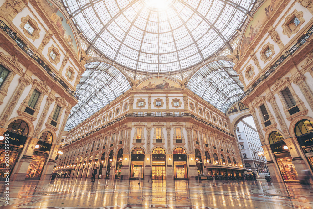 Fototapety, obrazy: Galleria Vittorio Emanuele II in Milan, Italy