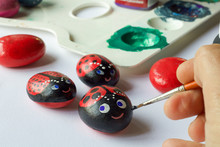 Homemade  Painted Stones As Ladybugs