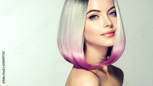 Pinturas sobre lienzo  Beautiful hair coloring woman