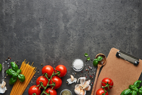 Photo  Food background for tasty Italian dishes with tomato