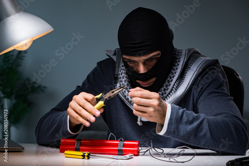 Cuadros en Lienzo Terrorist bomber preparing dynamite bomb