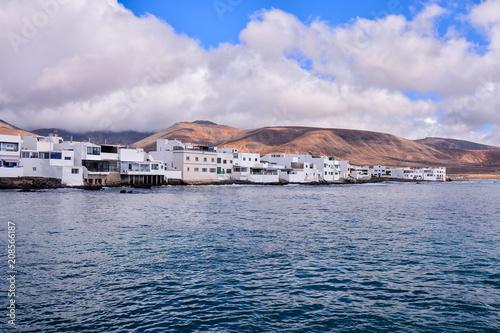 Foto op Plexiglas Poolcirkel Landscape in Tropical Volcanic Canary Islands Spain