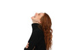 canvas print picture - Hübsche rothaarige Frau in eine schwarzem Pullover lacht herzhaft