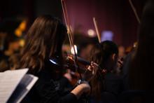 Violoniste Dans Orchestre Clas...