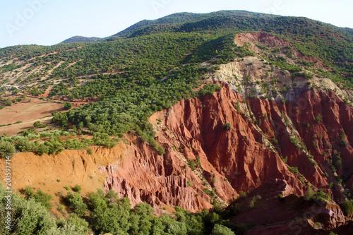 Foto op Plexiglas Bruin Montagne aux couleurs - Maroc