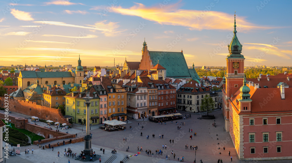 Fototapety, obrazy: Warsaw, Royal castle and old town at sunset