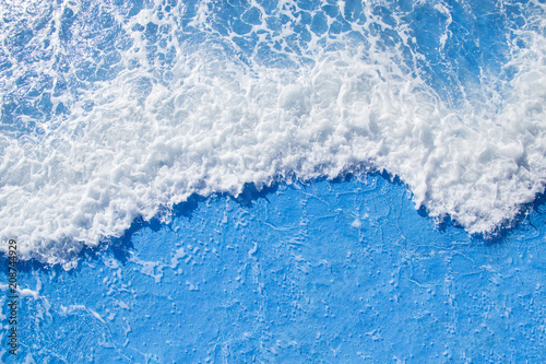 Staande foto Zee / Oceaan sea wave with foam