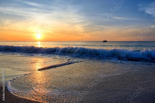 Spoed Foto op Canvas Zee zonsondergang sunset on the sea
