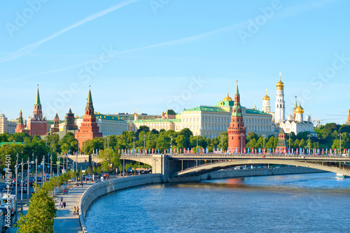 Foto op Aluminium Moskou A view of the Moskva River and Moscow cityscape in Moscow, Russia.