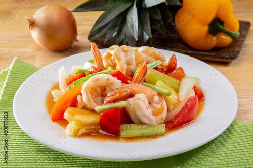 Carta da parati Sweet and sour sauce fried with prawns