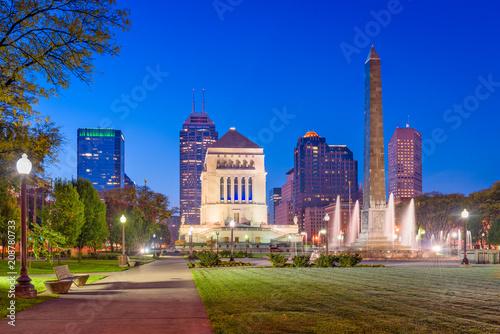 Fotografía  Indianapolis, Indiana, USA War Memorial Skyline